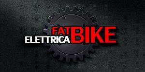 Logo FatBike-Elettrica rosso e bianco su sfondo nero.