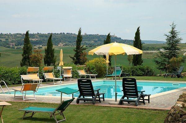 Agriturismo con piscina per Rider eBike eMTB del test Lombardo in Val D'Orcia.