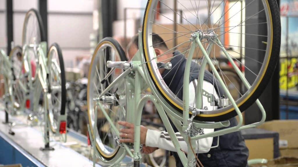 Linea assemblaggio Bici Lombardo Bikes