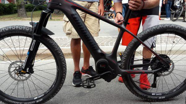 Mont Blanc Front in carbonio modello 2019 di lombardo e-Bikes